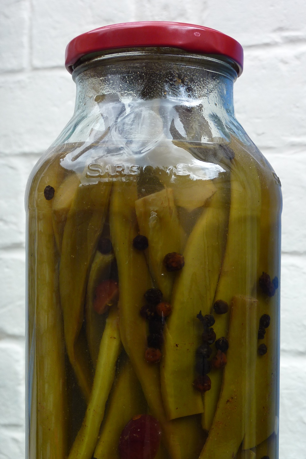 pickling runner beans (inspired by Pam Corbin's River Cottage Preserves piccalilli)