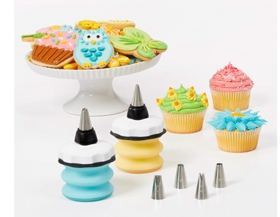 the perfect cake decorating kit from OXO (a review)