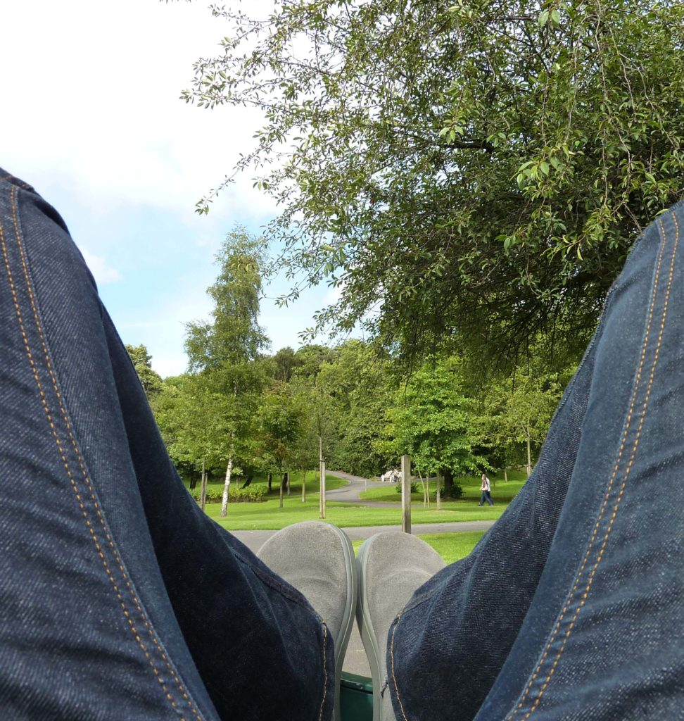 Glasgow - Kelvingrove Park_relaxing cropped
