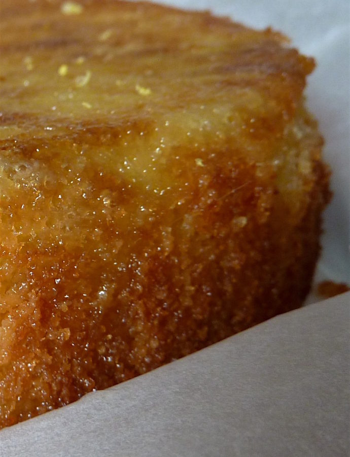 making gluten-free lemon drizzle cake