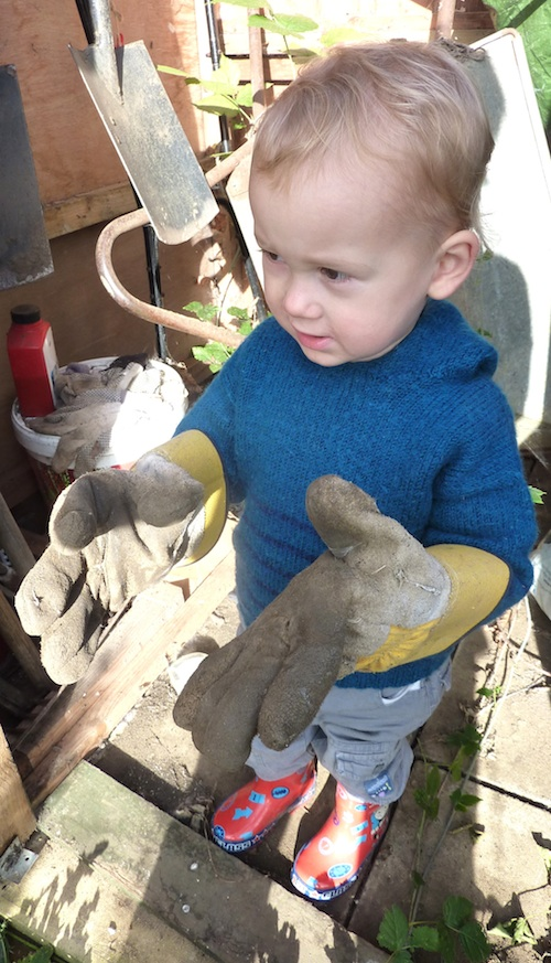 25-10-13 - allotment_in the shed with Daddy's gloves 4B