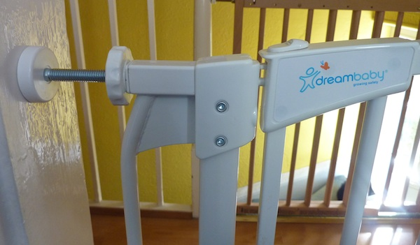 Safety Testing A Dreambaby Stairgate Nipitinthebud Co Uk